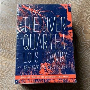 THE GIVER QUARTET Series by Lois Lowry New Books